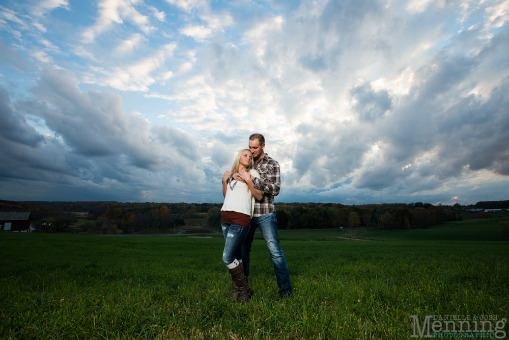 Brittney_Tyler_Fall-Country-Rustic-Engagement-Session_Youngstown-OH-Photographers_0048