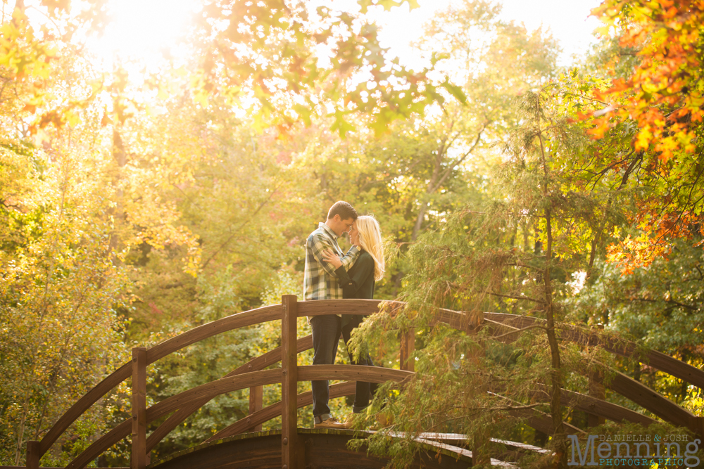 Kacie_Dillon_Stan-Hywett-Hall-and-Gardens_Akron-OH_Fall-Engagement-Photos_0028
