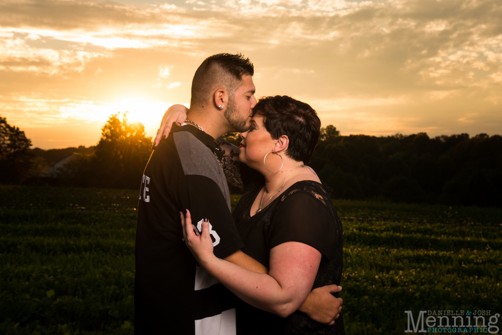 Kelsey_Cliff_White-House-Fruit-Farm_Country-Fall-Engagement-Session_Youngstown-OH-Photographers_0035