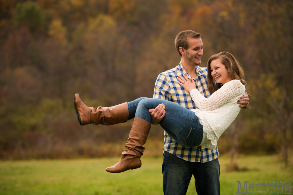 Sara_Jonathan_Generations-Coffe-House_Country-Fall-Engagement-Photos_Youngstown-OH-Photographers_0032