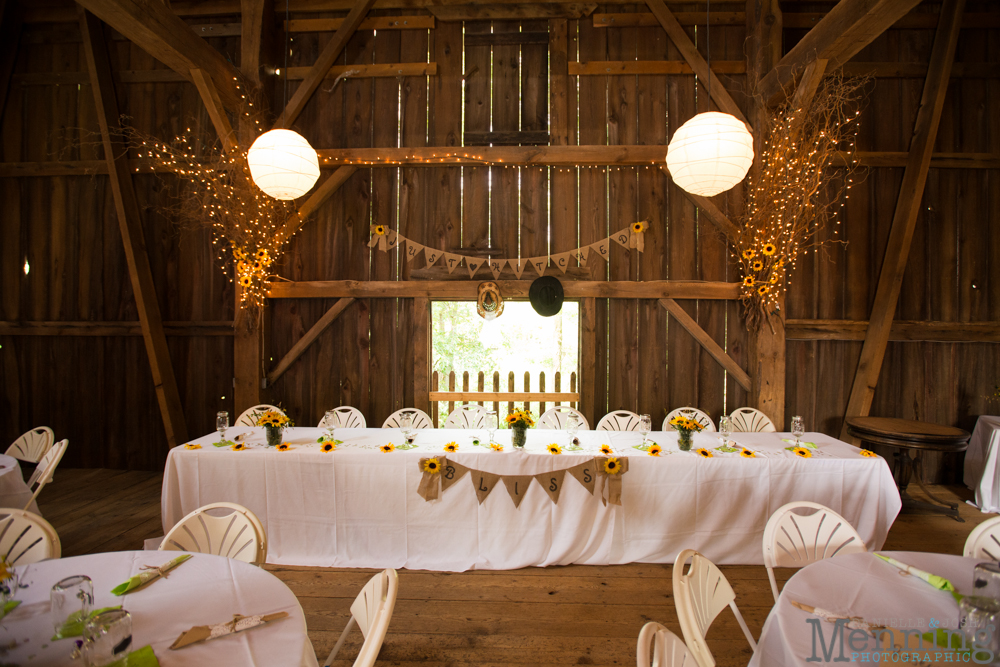 Amber_Matt_Mitchell-Ponds-Inne_Knox-PA_Rustic-Barn-Wedding_Youngstown-OH-Wedding-Photographers_0008