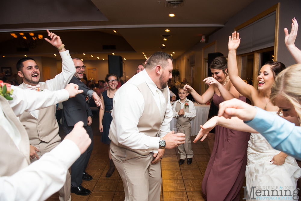 Jennifer_Tim_The-Links-at-Firestone-Farms_Rustic-Country-Barn-Wedding_Youngstown-OH-Wedding-Photographers_0083