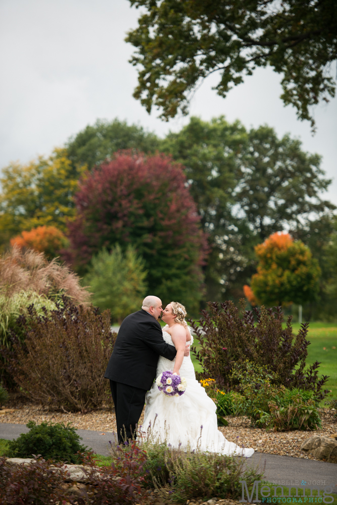 Holly_Billy_The-Lake-Club_Fall-Wedding_Youngstown-OH-Wedding-Photographers_0047