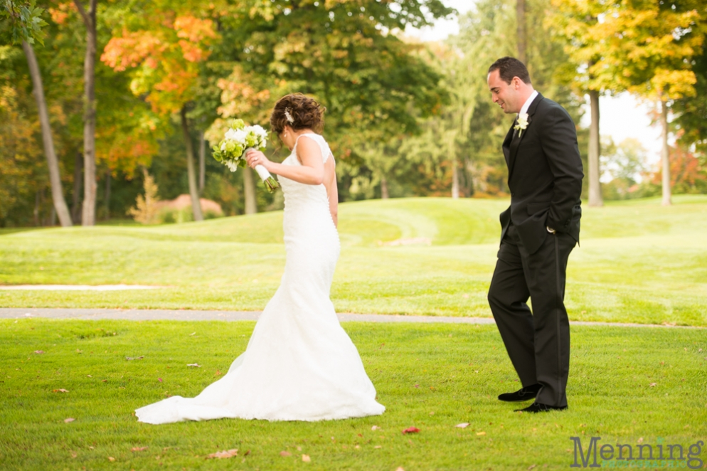 Cassie_Byron_The-Lake-Club_Fall-Wedding_Youngstown-OH-Wedding-Photographers_0027