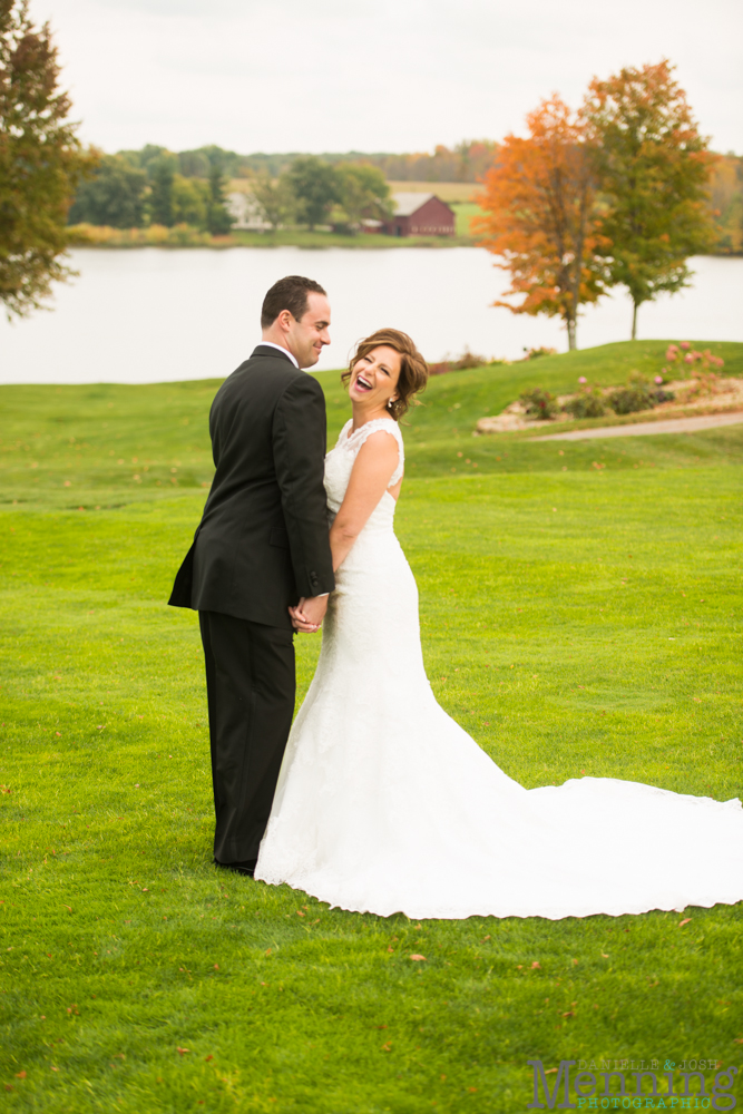 Cassie_Byron_The-Lake-Club_Fall-Wedding_Youngstown-OH-Wedding-Photographers_0046
