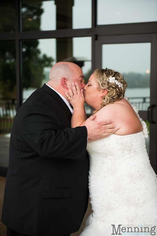 Holly_Billy_The-Lake-Club_Fall-Wedding_Youngstown-OH-Wedding-Photographers_0010