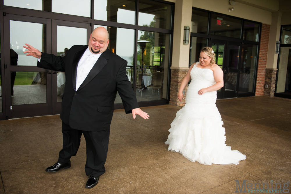 Holly_Billy_The-Lake-Club_Fall-Wedding_Youngstown-OH-Wedding-Photographers_0012