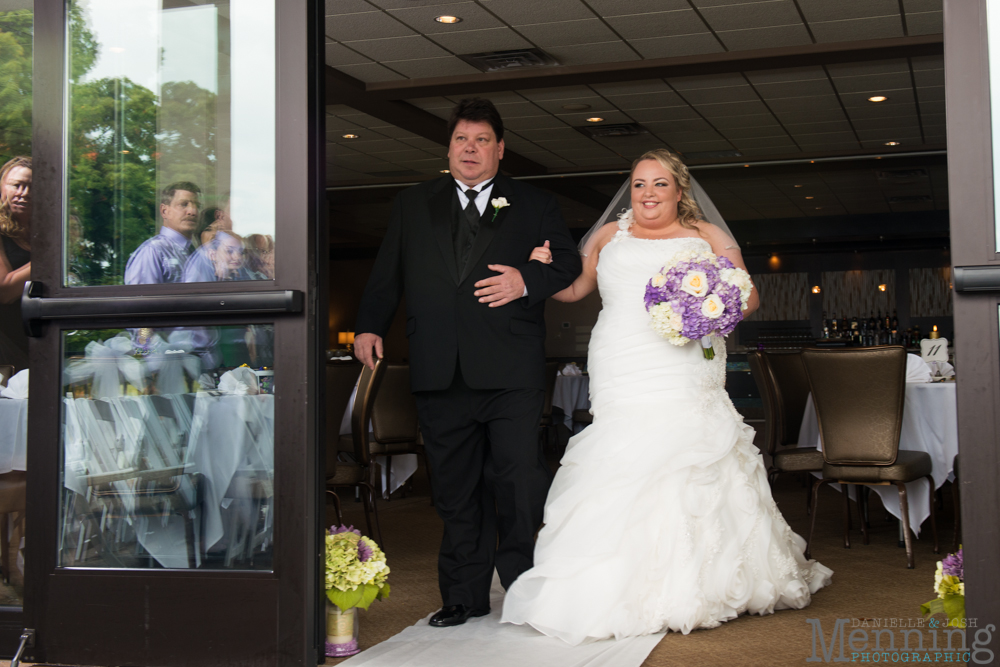 Holly_Billy_The-Lake-Club_Fall-Wedding_Youngstown-OH-Wedding-Photographers_0022