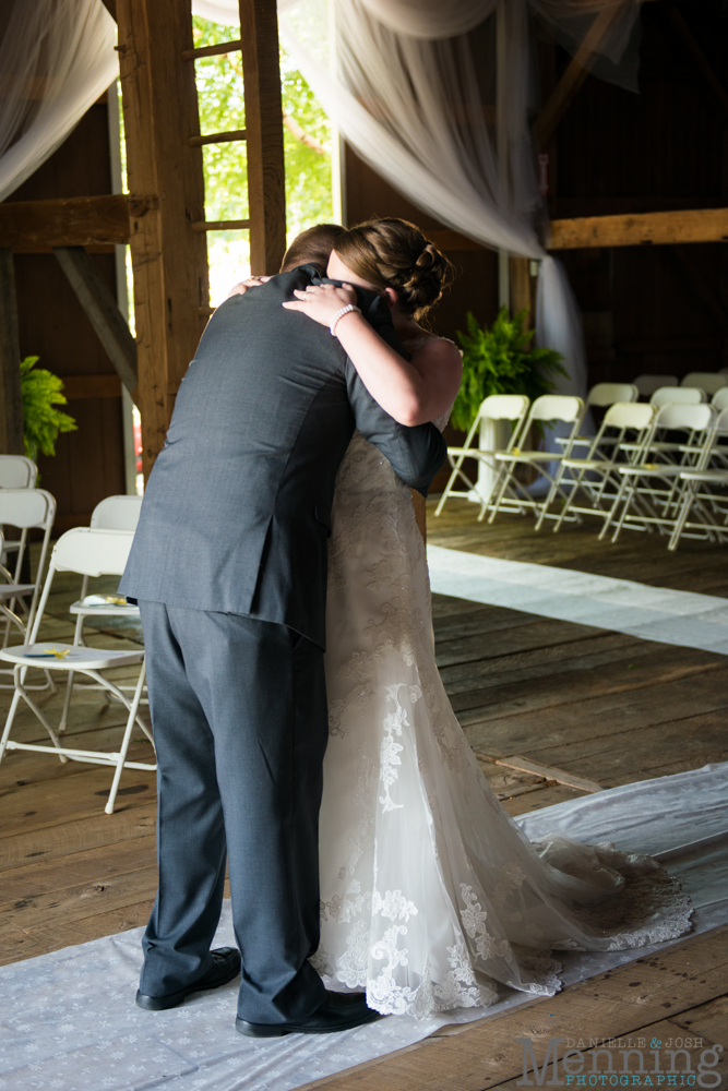 Keely_Mitch_The-Links-at-Firestone-Farms_Rustic-Country-Barn-Wedding_Youngstown-OH-Wedding-Photographers_0015
