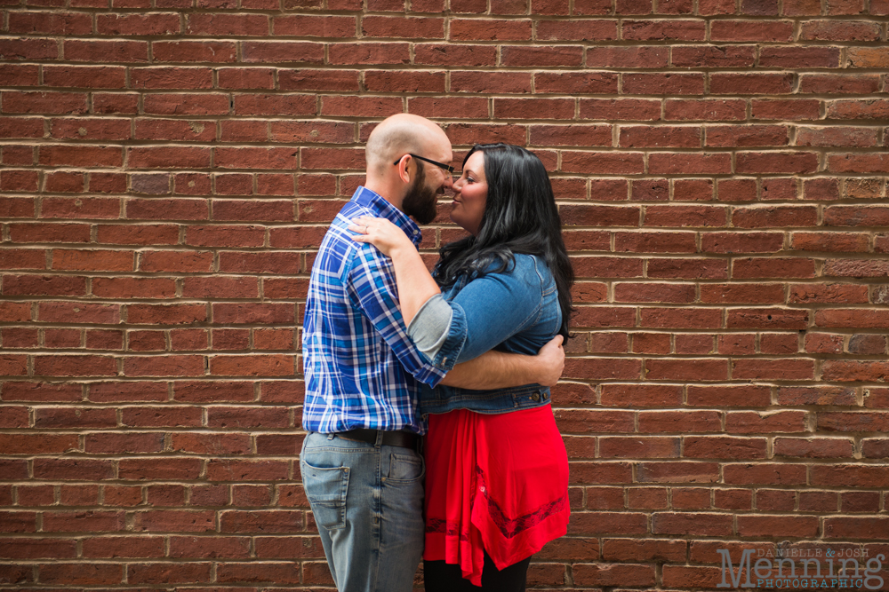 Richelle & Ryan - Downtown Pittsburgh - Roberto Clemente Bridge - PNC Park - North Shore - Heinz Pickle - Pittsburgh Engagement Session - Youngstown OH Photographers_0002
