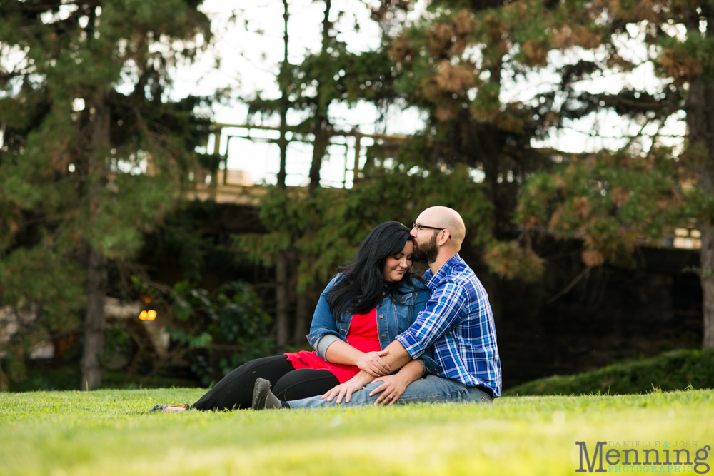 Richelle & Ryan - Downtown Pittsburgh - Roberto Clemente Bridge - PNC Park - North Shore - Heinz Pickle - Pittsburgh Engagement Session - Youngstown OH Photographers_0014