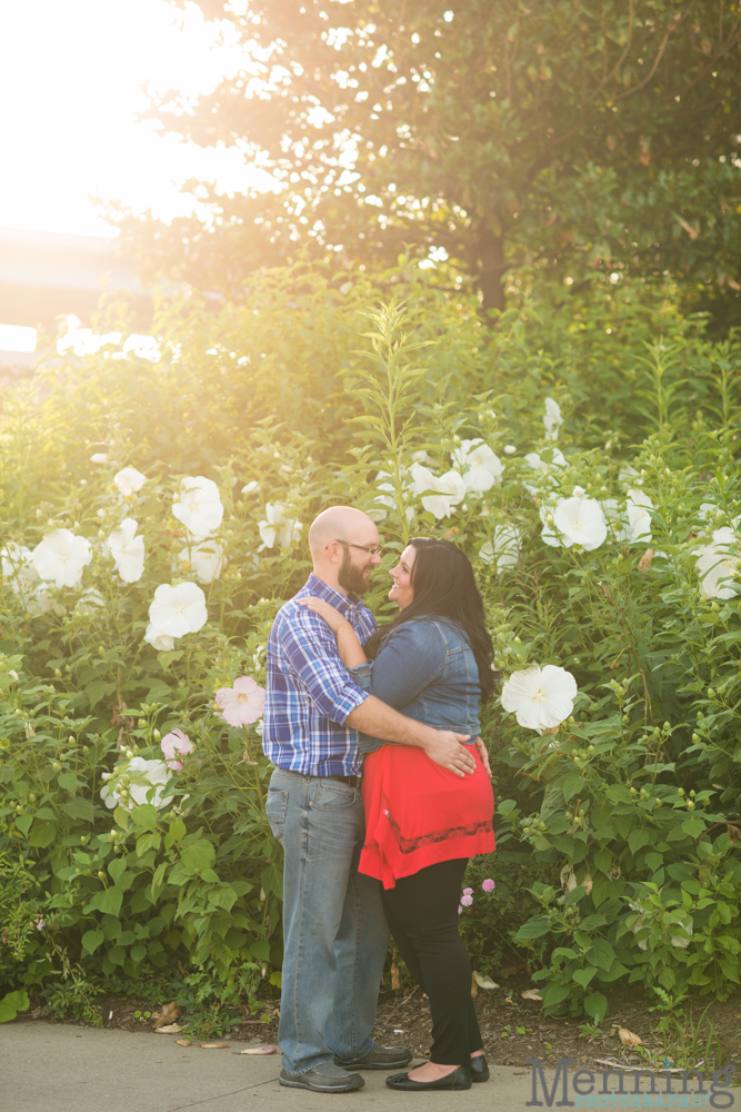 Richelle & Ryan - Downtown Pittsburgh - Roberto Clemente Bridge - PNC Park - North Shore - Heinz Pickle - Pittsburgh Engagement Session - Youngstown OH Photographers_0024