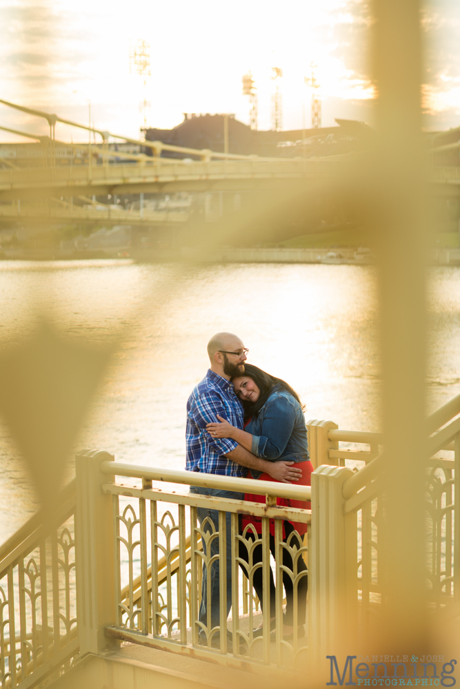 Richelle & Ryan - Downtown Pittsburgh - Roberto Clemente Bridge - PNC Park - North Shore - Heinz Pickle - Pittsburgh Engagement Session - Youngstown OH Photographers_0040