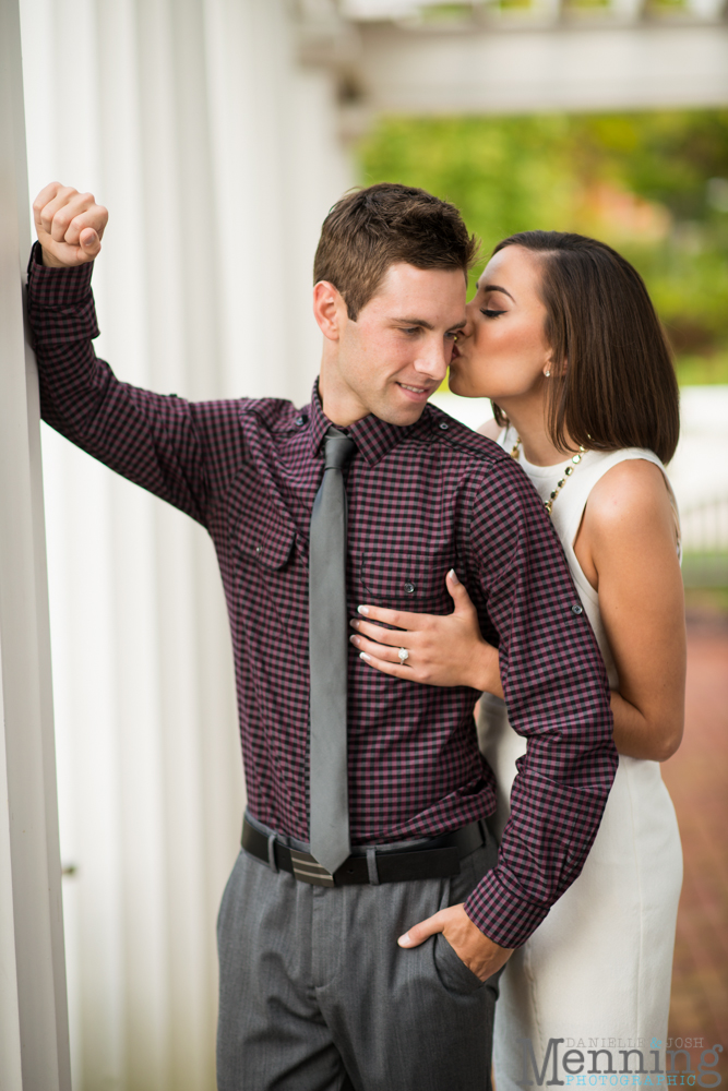 what to wear to engagement photo session