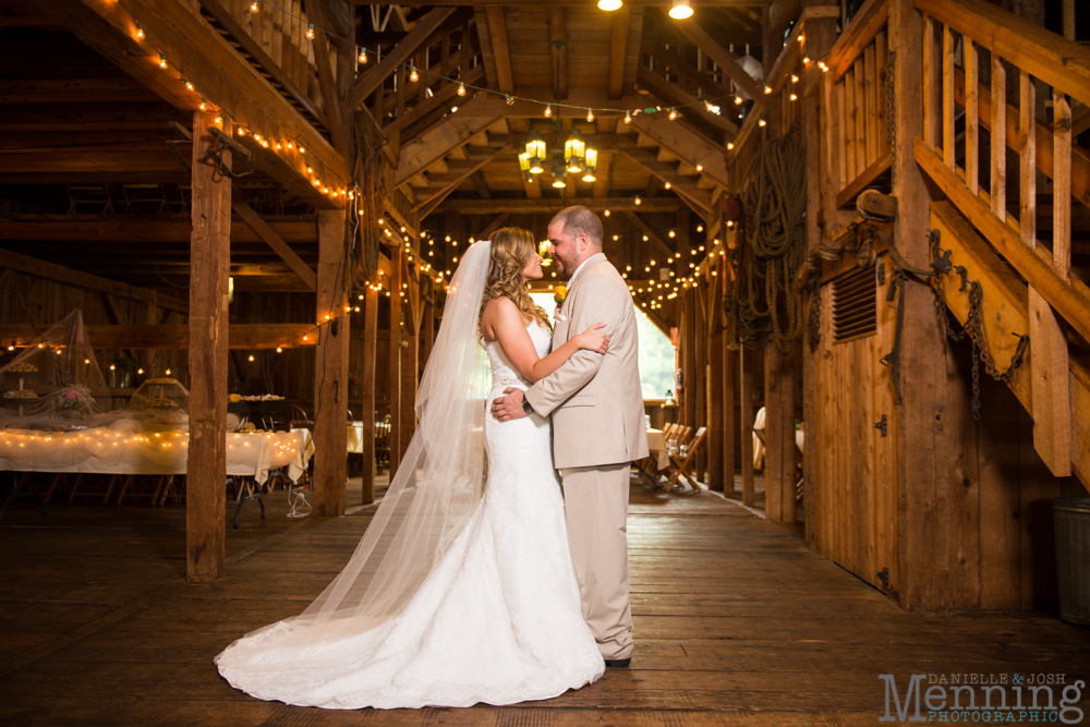 The Barn & Gazebo wedding photos