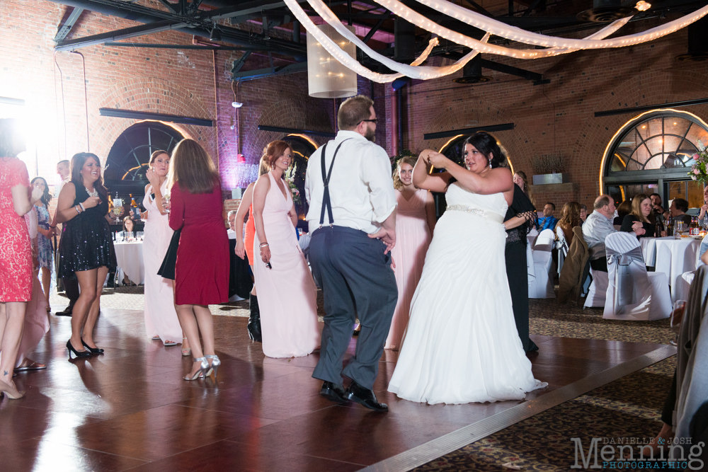 Nicole_Cody_Cleveland-Public-Library_Windows-On-the-River_Cleveland-OH-Wedding-Photography_0090