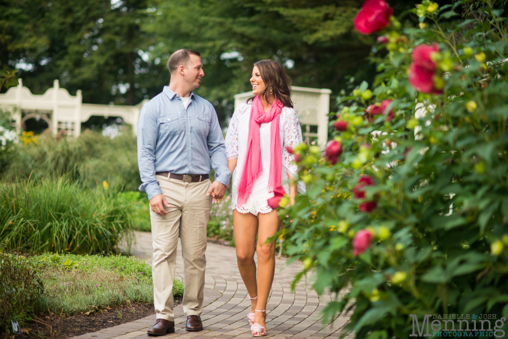 engagement photos at Mill Creek park