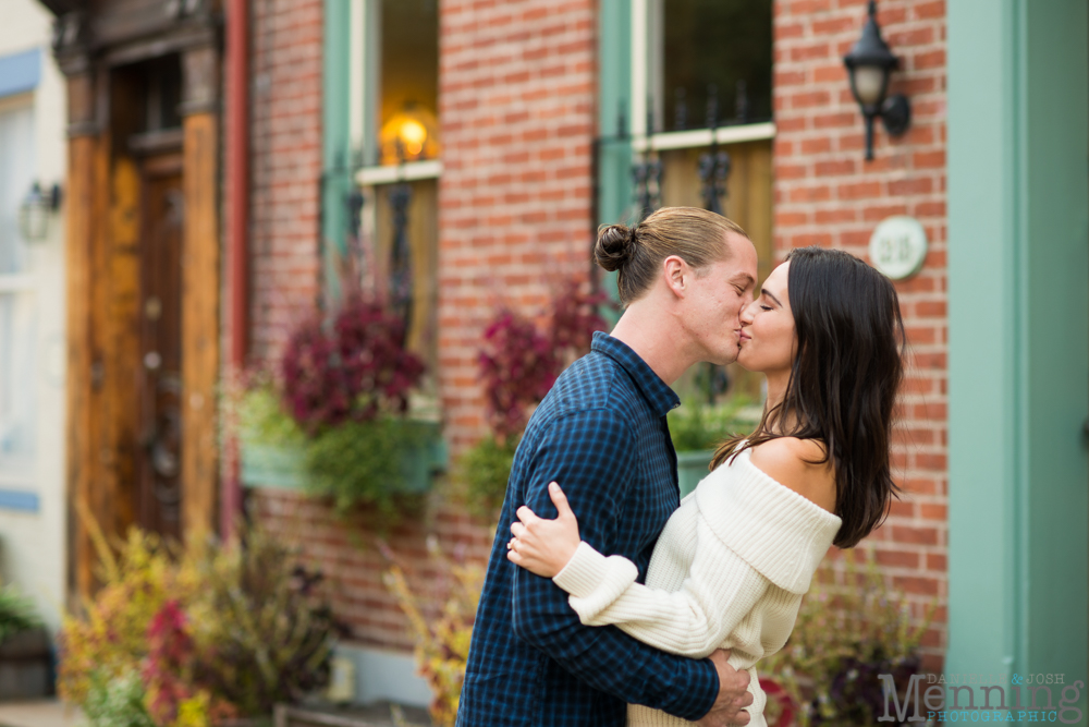 jamie-nick-engagement-session-mexican-war-streets-schenley-park-phipps-conservatory-pittsburgh-pa-engagement-photos_0002
