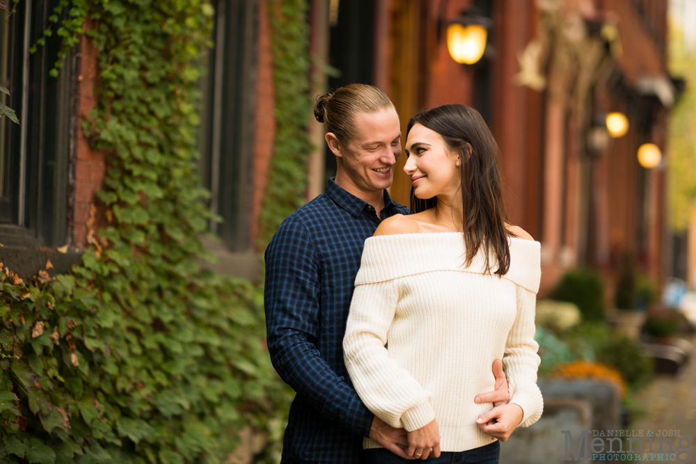 jamie-nick-engagement-session-mexican-war-streets-schenley-park-phipps-conservatory-pittsburgh-pa-engagement-photos_0005