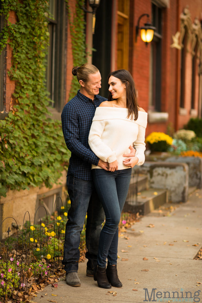 jamie-nick-engagement-session-mexican-war-streets-schenley-park-phipps-conservatory-pittsburgh-pa-engagement-photos_0006
