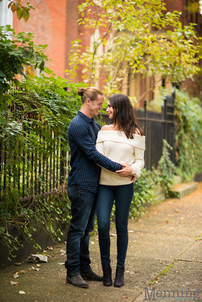 jamie-nick-engagement-session-mexican-war-streets-schenley-park-phipps-conservatory-pittsburgh-pa-engagement-photos_0014