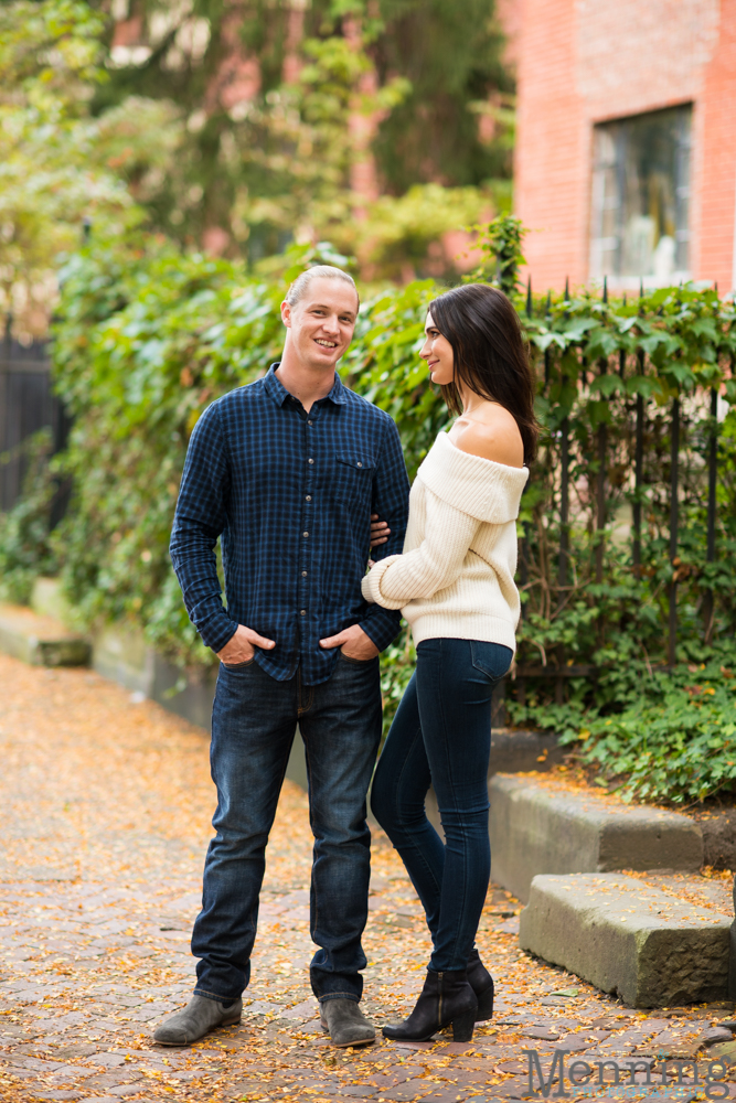 jamie-nick-engagement-session-mexican-war-streets-schenley-park-phipps-conservatory-pittsburgh-pa-engagement-photos_0016