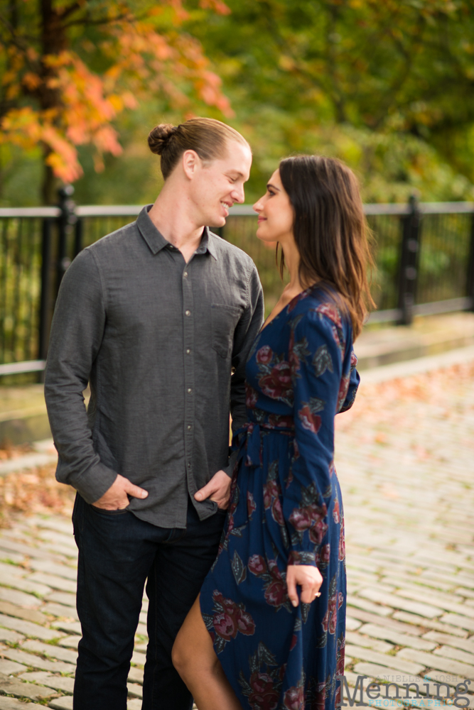 jamie-nick-engagement-session-mexican-war-streets-schenley-park-phipps-conservatory-pittsburgh-pa-engagement-photos_0031