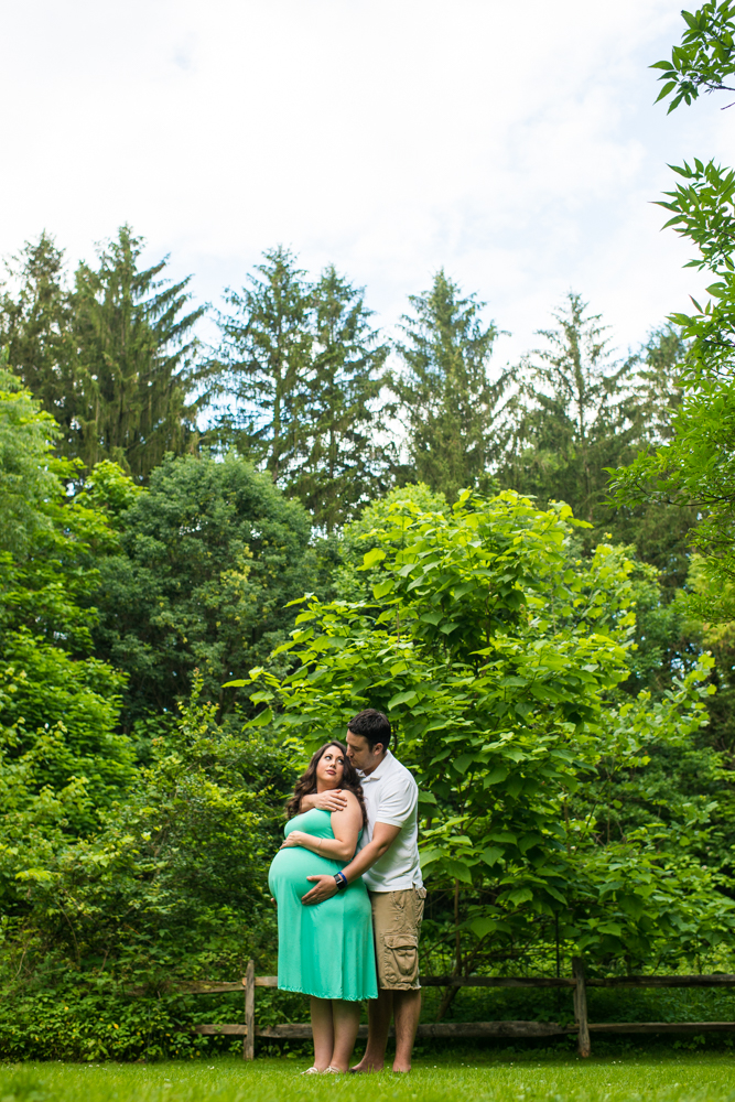 maternity photo session in Mill Creek Park Youngstown Ohio